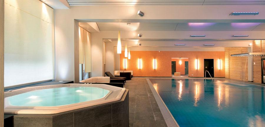 Indoor-pool-and-jacuzzi - Copy.jpg